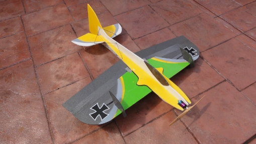 3d-hornet-electric-plane-futaba-flying-giant-foamie-infineon-indoor-japaleno-jr