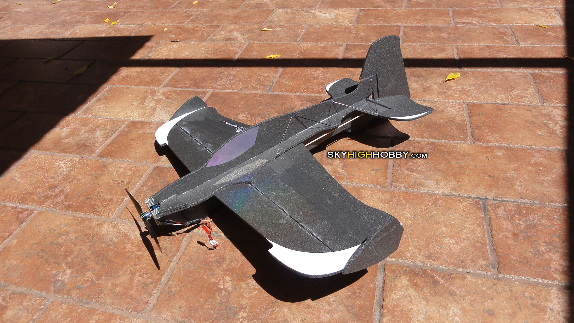 3d-hornet-electric-plane-futaba-flying-giant-foamie-depron-homemade-uzi-razorback-skua
