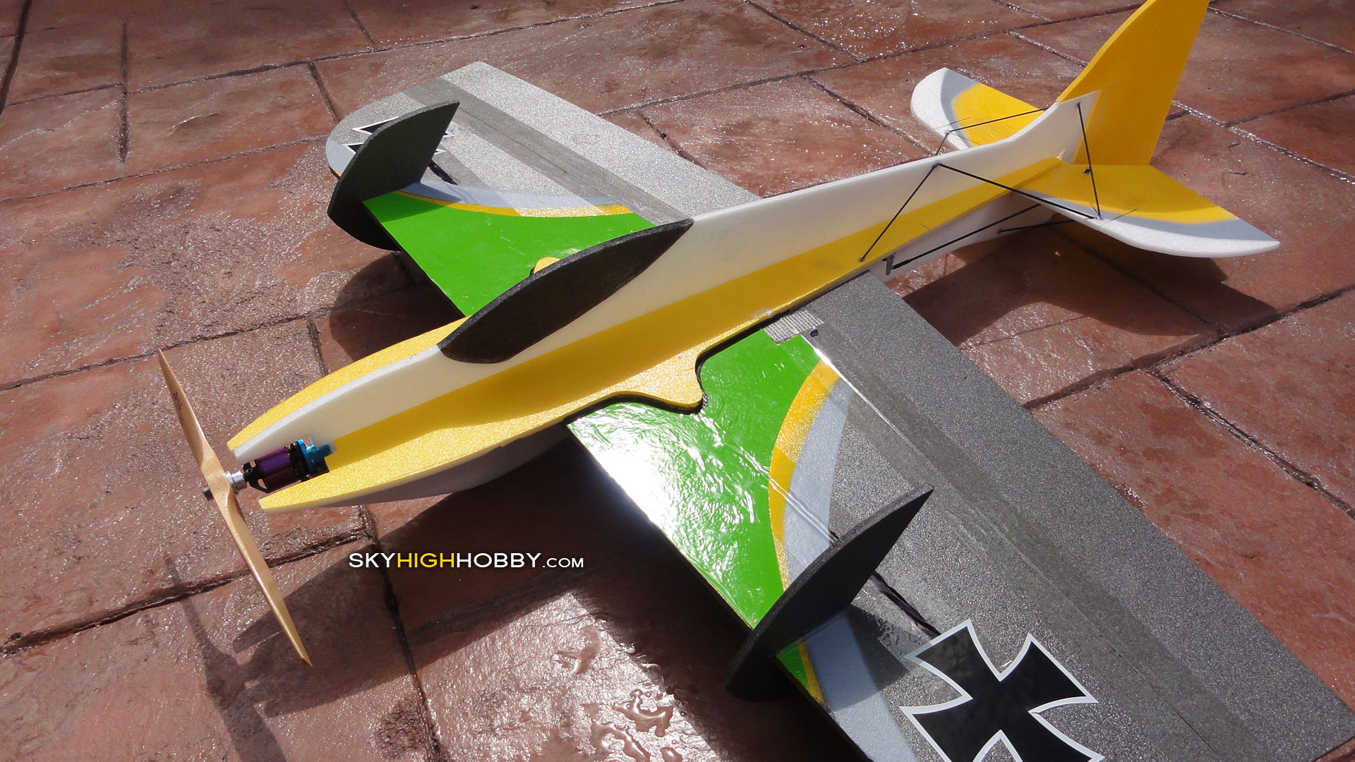 3d-hornet-electric-plane-yak-extra-edge