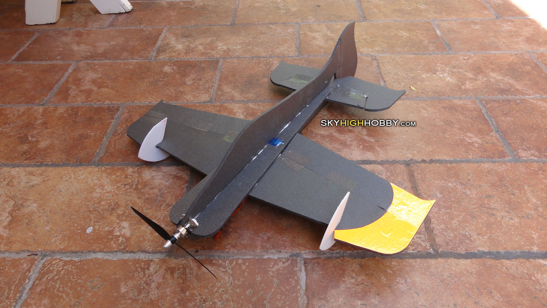 micro 3d rc plane yak extra 3d hornet
